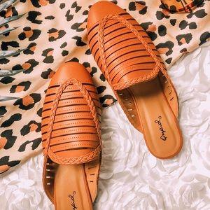 Shoes - Estoy Cute | Cognac Brown Mules